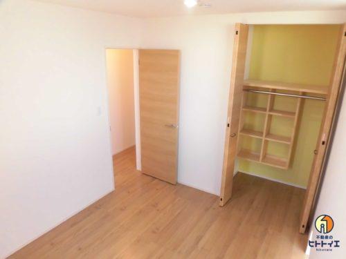 収納棚もついて家具いらず。