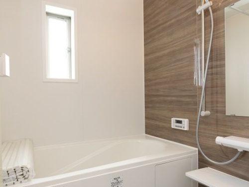 【浴室】設備が充実した一坪タイプのバスルームです。(風呂)