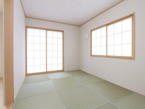 【和室】色あせしにくく、カビやダニの発生を抑えるダイヤロン畳です。(内装)