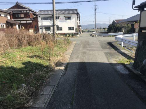 南側道路(外観)