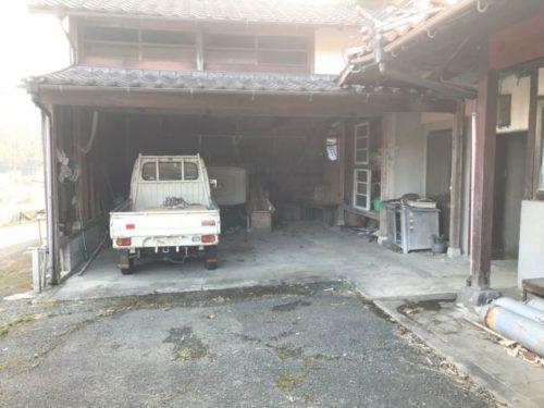 2台とめれる屋根付き車庫です!